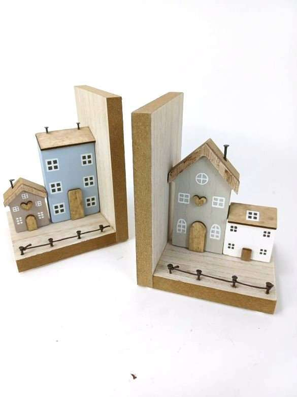 Bookends Country Cottage House